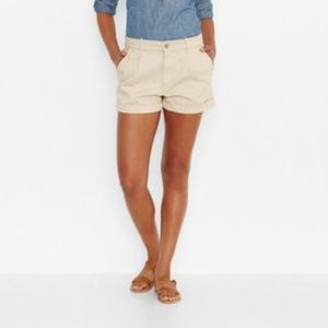 Levi's Chino Shorts in Egret (NWT)
